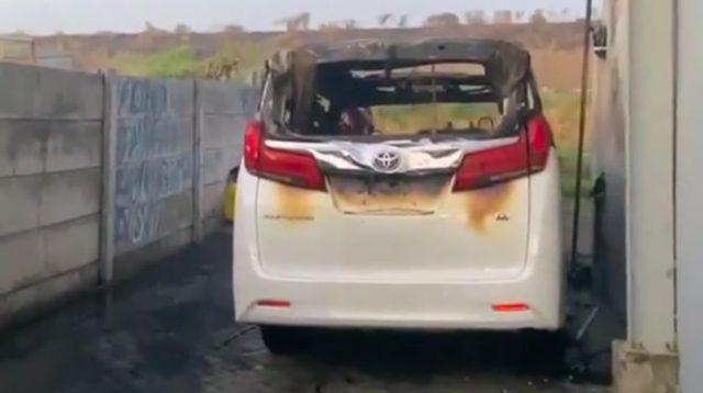 Mobil Via Vallen Dibakar