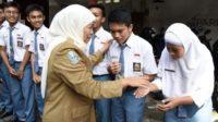 Khofifah Indar Parawansa gratiskan SPP SMASMK negeri se-Jawa Timur