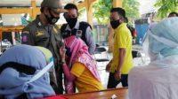 Takut Jarum, Wanita Ini Menangis Saat Hendak Dirapid Test