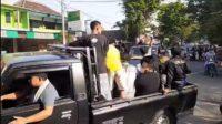 Perebutan Paksa Jenazah Covid-19 di Pasuruan, Jenazah di Naikan Pick Up