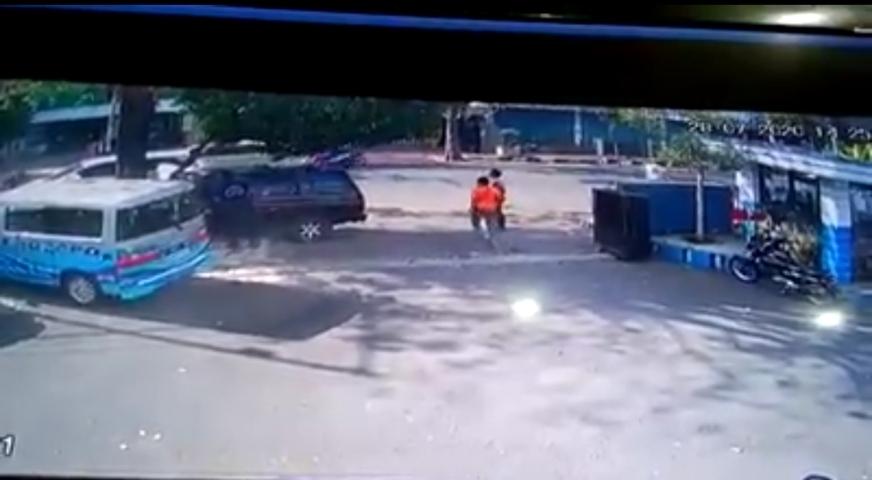 Tangkapan Layar CCTV Saat Terjadi Kecelakaan Lintasjatim.com