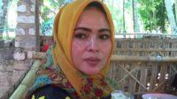 Umiyati, Penjual Rujak Asal Sumenep yang Mirip Syahrini