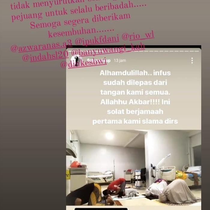 Pasien Covid-19 di RSUD Blambangan Sholat Berjamaah