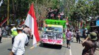 Pekerja Seni Malang Demo di Depan Kantor DPRD Malang
