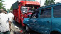 Tabrakan Antara Truk dengan Mobil Kijang di Rejoso Pasuruan Lintasjatim.com