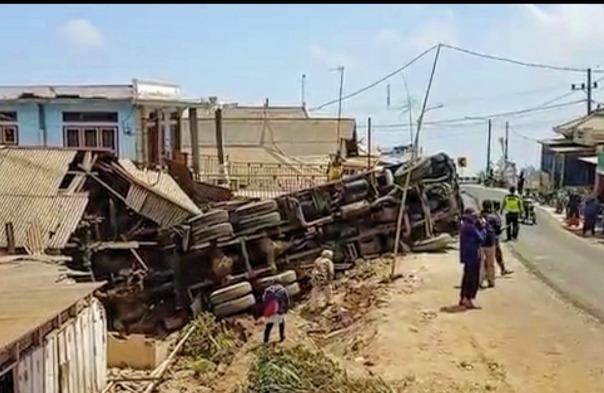 Kecelakaan di Desa Baledono, Kecamatan Tosari, Kabupaten Jawa Timur