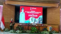 Khofifah Distribusikan 1,3 Juta Kartu Internet Bagi Siswa SMA SMK dan Guru Se- Jawa Timur