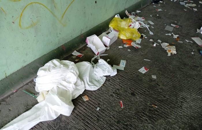 Sampah Hazmat dan Rapid Test Berserakan di Suramadu Lintasjatim.com