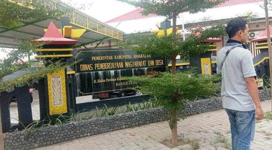 Tampak depan kantor DPMD Kabupaten Bangkalan Lintasjatim.com