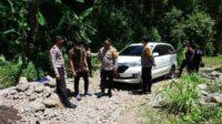 Mobil Pria yang Tersesat Saat Dievakuasi Polisi Lintasjatim.com