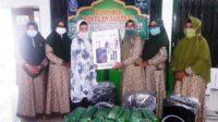 Anggota DPRD Fraksi PKB Hj. Aisyah Lilia Agustina, M.Si, memberikan bantuan sarana prasarana