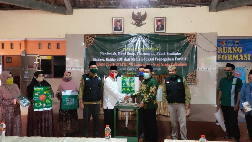 LPBI NU Lamongan Menyerahkan Bantuan Alat Cuci Tangan