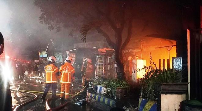 Kebakaran Rumah di Wonoarsi Surabaya Berujung Pilu