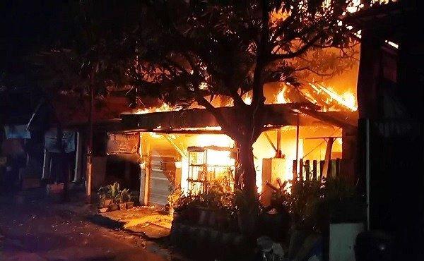 Kebakaran Rumah di Wonoarsi Surabaya