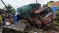 Kecelakaan Truk di Depan Balai Desa Wonosobo Banyuwangi