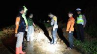 Tebing di Ngetos Nganjuk Longsor, 20 Orang Tertimbun