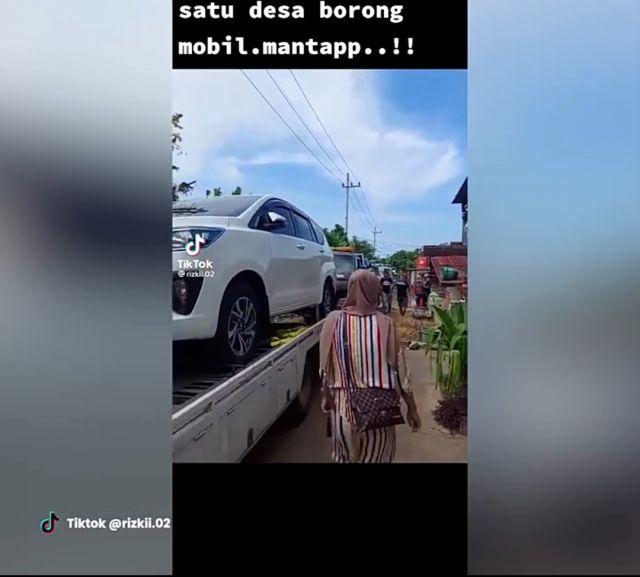 Warga Tuban Borong Mobil