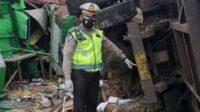 Kecelakaan Truk Muat Batu Bara di Bungah Gresik [Lintas Jatim]