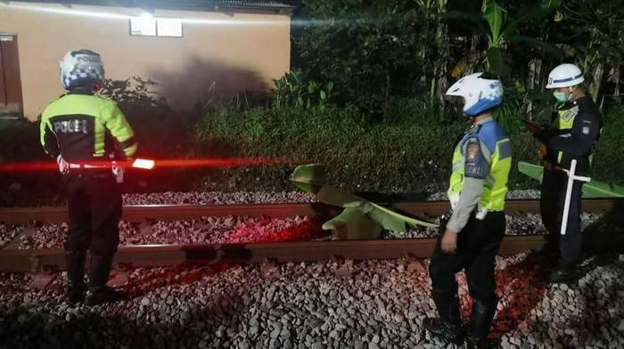 Tertabrak Kereta Api di Tulungagung [Lintas Jatim]