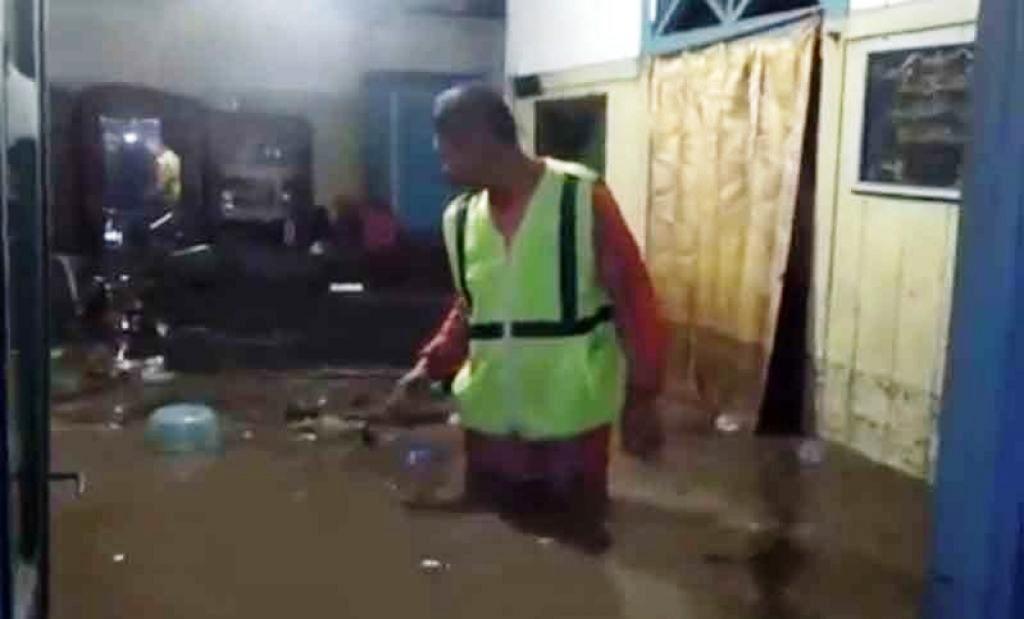 Rumah Warga Madiun yang Terendam Banjir