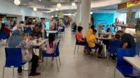 Mal di Surabaya mulai ramai anak-anak ( Foto: Esti Widiyana/detikcom)