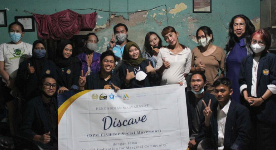 Mahasiswa UNESA Surabaya Bersama Pewakos Surabaya