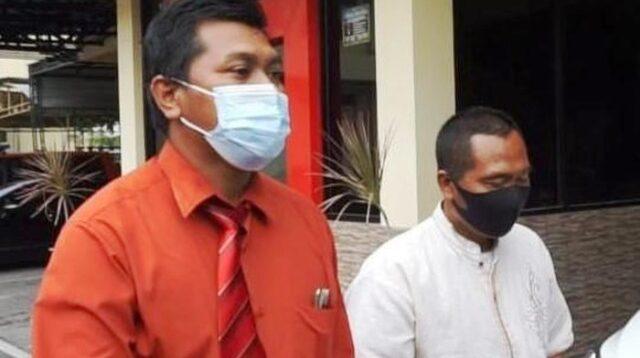 Pelaku didampingi pengacara di kantor polisi (Foto: Enggran Eko Budianto/detikcom)